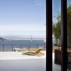 Modern Patio by Charlie Barnett Associates