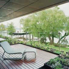 Modern Patio by Bercy Chen Studio