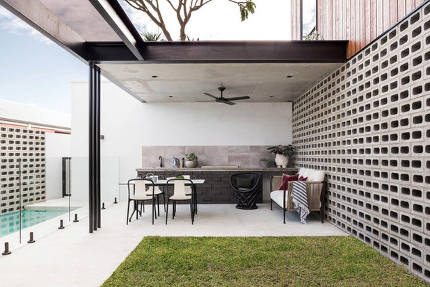 Contemporary Patio by Dalecki Design