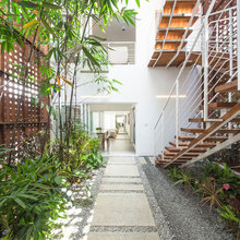 Kerala Houzz: Corten Steel & Greenery Define This Home's Design