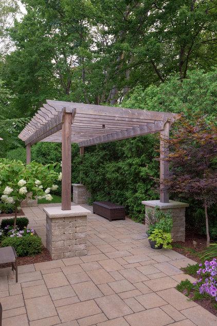 Traditional Patio by Gelderman Landscape Services