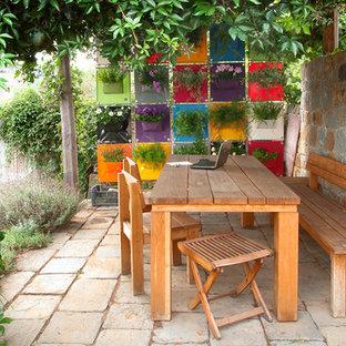 Inspiration for a contemporary patio in Dublin.