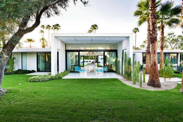 Midcentury Patio by Studio AR+D Architects