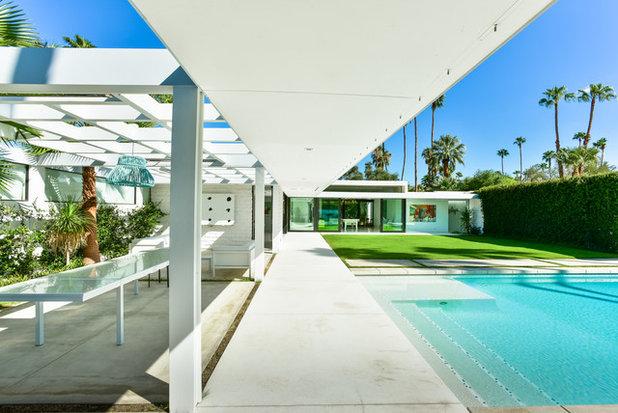 Modern Patio by Studio AR+D Architects