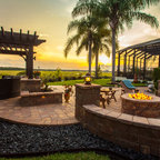 Outdoor kitchen cabinets - Traditional - Patio - Tampa - by Da Vinci Cabinetry LLC