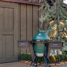 Traditional Patio by Select Outdoor Kitchens