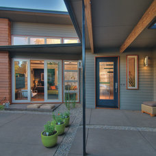 Modern Patio by LandCurrent Landscape Architects