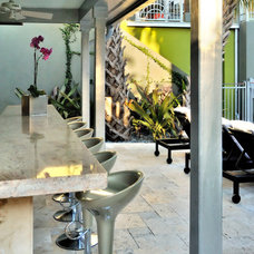 Modern Patio by BURLEYATESDESIGN