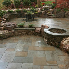 Rustic Patio by Mary Kirk Menefee, Landscape Designer