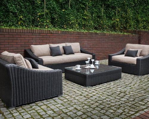 Toja Patio Furniture   Tuscan Couch Set   Red Brick Wall