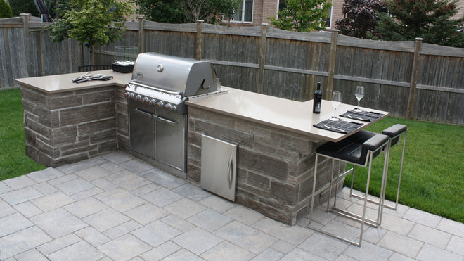 Traditional Patio by Toronto Custom Concepts