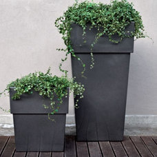 Outdoor Planters by Home Infatuation