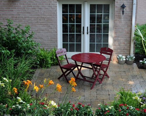 Example Of A Classic Concrete Paver Patio Design In Chicago