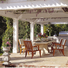 traditional patio by Michael Merrill Design Studio, Inc