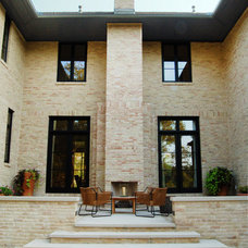 Traditional Patio by Tim Cuppett Architects