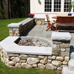 traditional patio by UBLA Site Planners & Landscape Architects