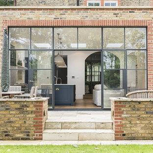 Foto de patio clásico sin cubierta