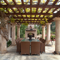 traditional patio by Hamilton-Gray Design, Inc.