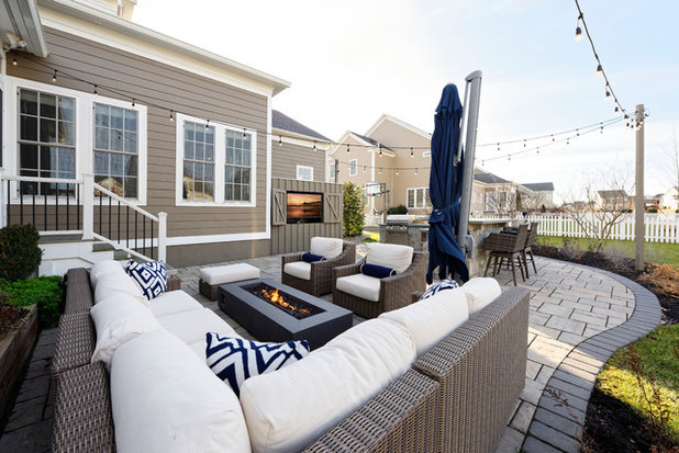 Classique Chic Terrasse et Patio by Metro Building and Remodeling Group LLC