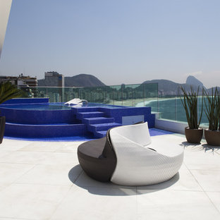 Example of a minimalist patio design in Other