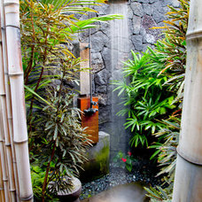 Tropical Patio Tropical Bathroom
