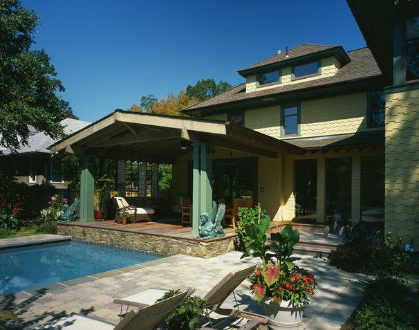 Craftsman Patio by Gardner Mohr Architects LLC