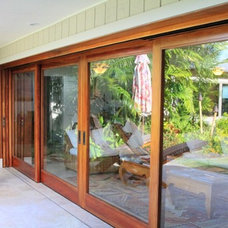 Tropical Patio by Trigg-Smith Architects