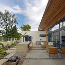 Modern Patio by Boor Bridges Architecture