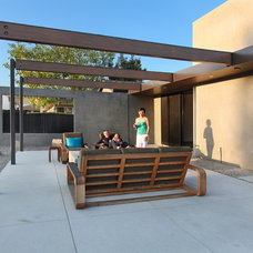 Contemporary Patio by Anders Lasater Architects