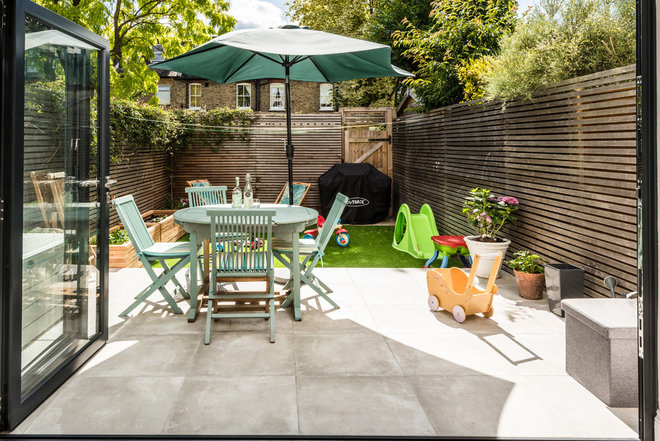 Contemporary Patio by London Urban - Intelligent Construction