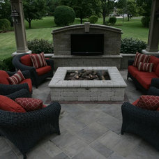 Traditional Patio by JR's Creative Landscaping