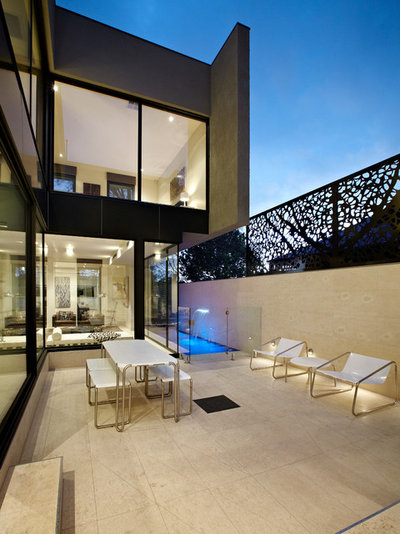 Contemporary Patio by Platinum Building Group