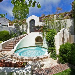 Modelo de patio mediterráneo, sin cubierta, en patio, con adoquines de ladrillo