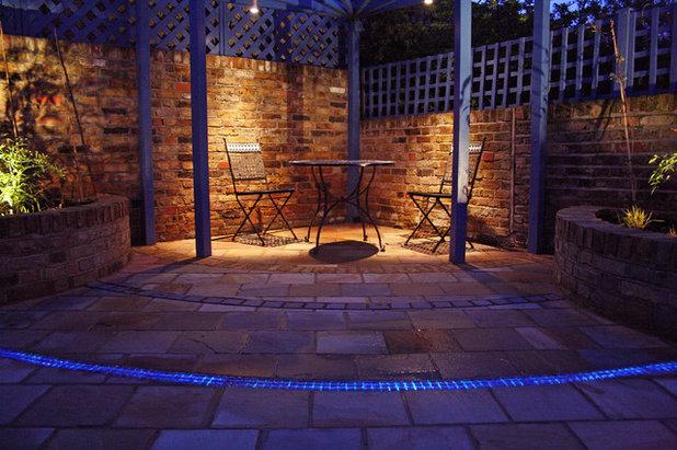 Contemporary Patio by Caro Garden Design