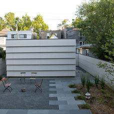 Contemporary Patio by Wheeler Kearns Architects
