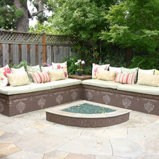 Eclectic Patio by Artscapes