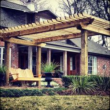 Traditional Patio by Smith & Baker Landscape Architects and Contractors