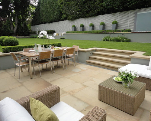 Garden hedge ideas pictures remodel and decor for Tiered garden designs