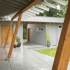 Contemporary Patio by Goforth Gill Architects