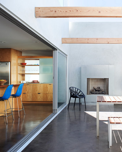 Contemporary Patio by Kevin Daly Architects