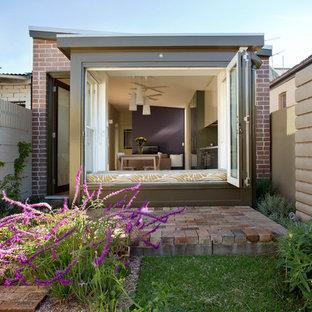 Idéer för små funkis uteplatser på baksidan av huset, med marksten i tegel