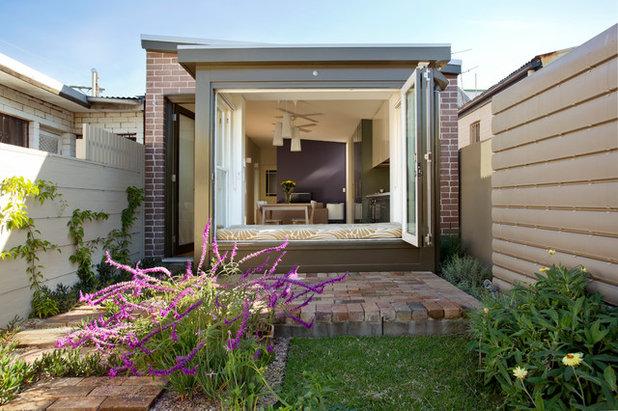 Modern Patio by Danny Broe Architect