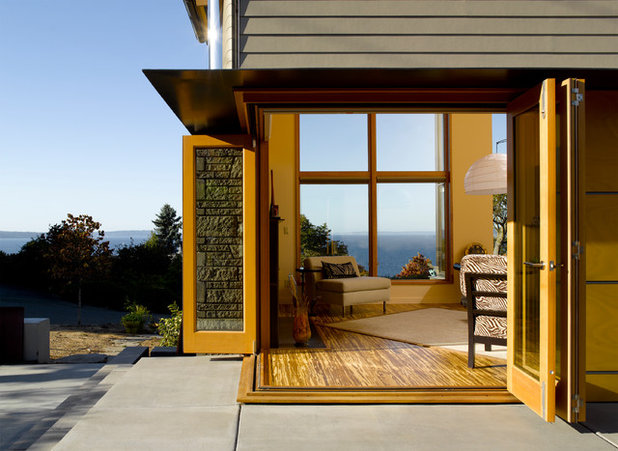 Modern Patio by Mohler + Ghillino Architects