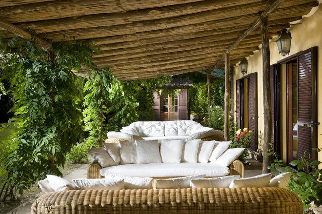 Rustic Patio by Fabrizia Frezza Architecture & Interiors