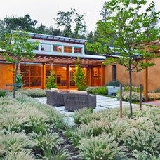 Contemporary Landscape by Arkin Tilt Architects