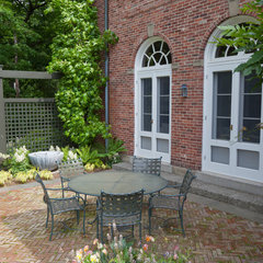 traditional patio by Matthew Cunningham Landscape Design LLC