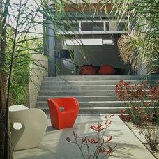 Modern Patio by Ehrlich Architects