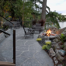 Transitional Patio by Pacifica Landscape Works Inc.