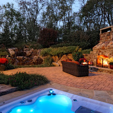 Traditional Patio by SURROUNDS Landscape Architecture + Construction