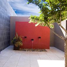 Contemporary Patio by Robin Gray Architect, llc